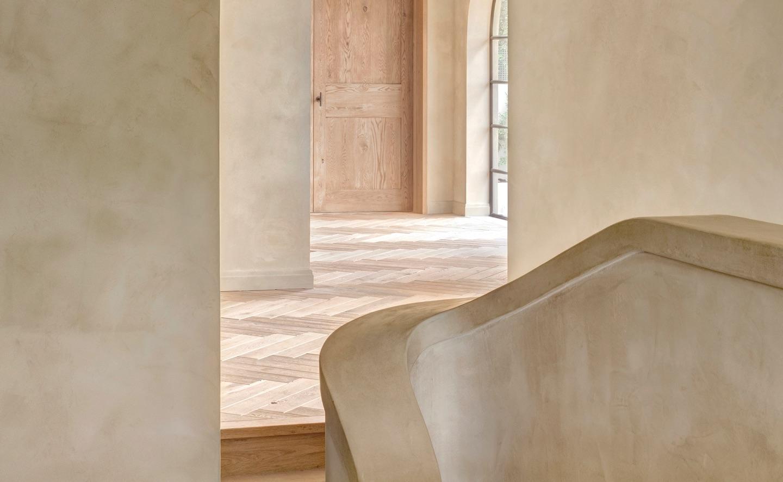 cubitt carrara barcelona lime plaster finish on staircase