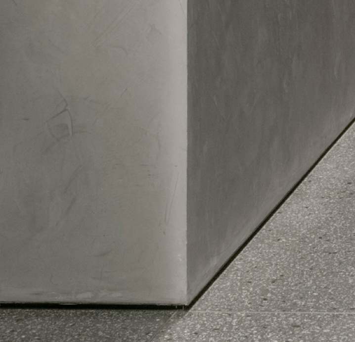 polished plaster grey corner